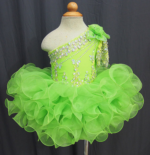 2015 Lovely Girls Cupcake Pageant Dress Ball Gown Beaded Ruffles Organza One Shoulder Short Party Flower Girls Dresses Vestidos