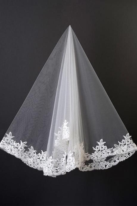 Elegant Ivory Tulle Ballet Wedding Veil Venice Lace Applique Edge Bridal Veil