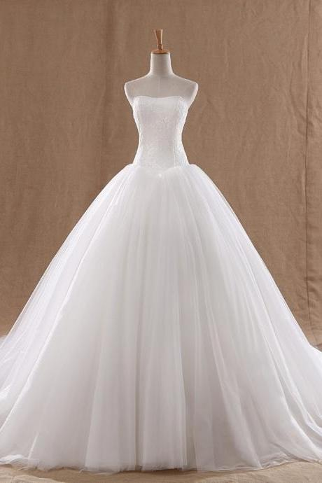 Bridal White Ball Gown Wedding Dresses Long Train Tulle and Lace Sweetheart Elegant Wedding Gowns with Lace Up Back